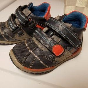 BKO Beeko Velcro Sneaker Toddler Shoe sz 22/6.5-7